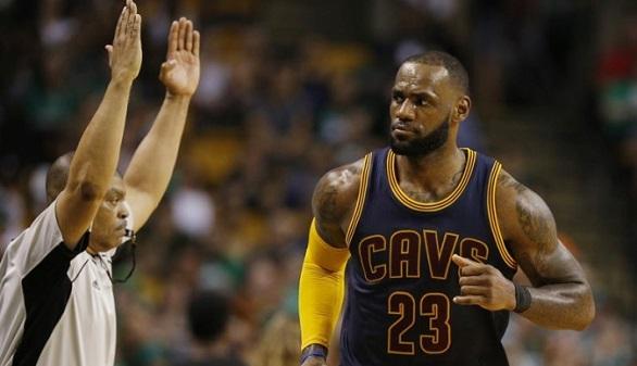 NBA. Los Celtics sucumben ante un LeBron histórico y los Cavs viajan a las Finales