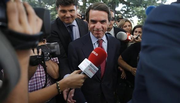 Aznar felicita a Rajoy y destaca la 'solidez' del Partido Popular