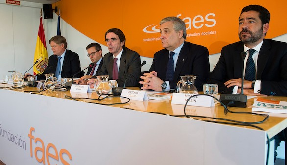 Aznar defiende la lucha con