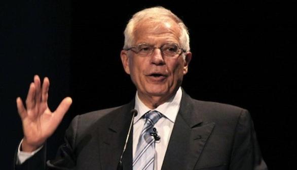 Borrell, uno de los gurús de Sánchez, apuesta por dejar gobernar al PP