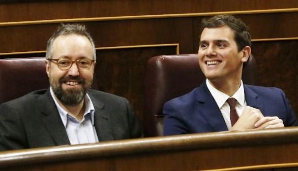 Ciudadanos aparca el veto a Rajoy: 'Primero contenidos'