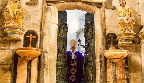 La catedral de Santiago abre su Puerta Santa en el Año Jubilar Extraordinario
