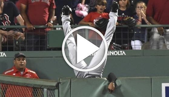 Vídeos virales. Jugador de béisbol sorprende con la recepción del año