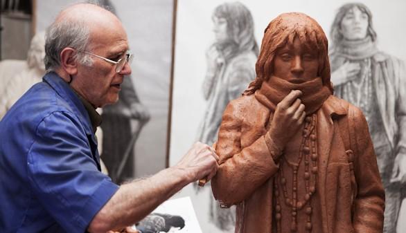 El autor de la escultura de Lorca en la plaza de Santa Ana tiene nombre