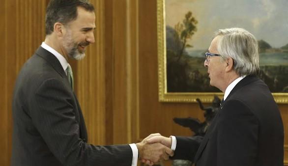 El Rey examina con Juncker las perspectivas económicas de España y la UE