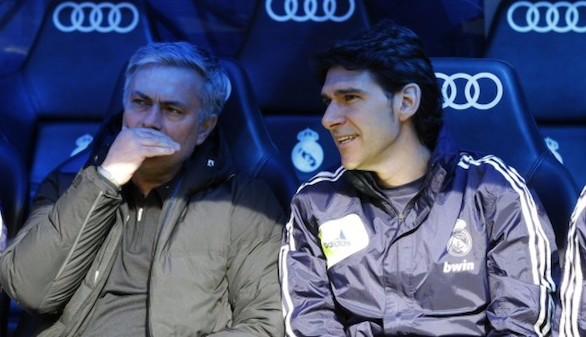 Karanka, despedido de su primera aventura sin Mourinho y con la gratitud de Víctor Valdés