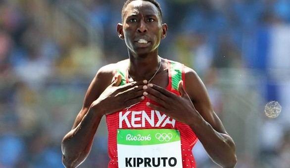 Kipruto da a Kenia el noveno título consecutivo en obstáculos