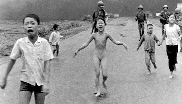 Noruega contra Facebook: ¿es censurable el desnudo de 'la niña del napalm'?