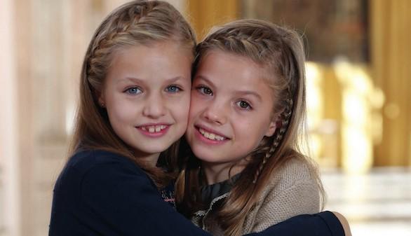 La princesa Leonor y la infanta Sofía, protagonistas de la felicitación navideña
