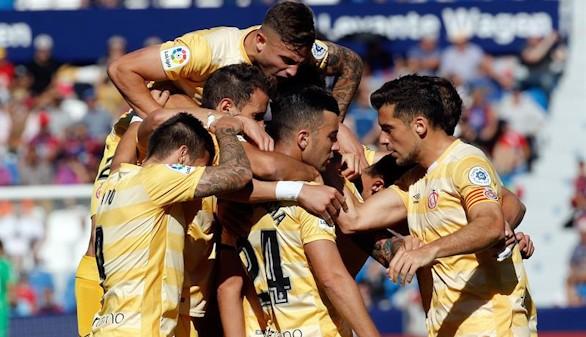 El Girona prosigue su escalada a costa del Levante |1-2