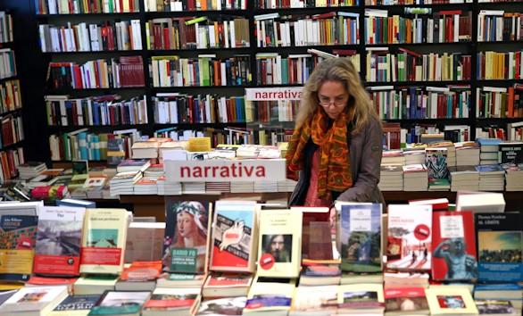 La Noche de los Libros: encuentros con escritores, conferencias y homenajes