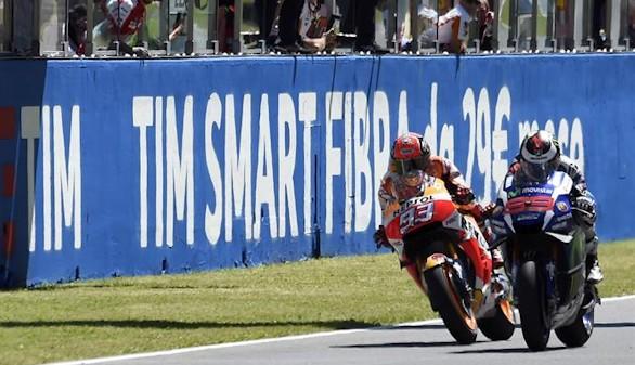 Lorenzo gana a Márquez sobre la línea por 19 milésimas