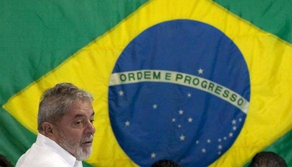Lula abandona la comisaría tras concluir su declaración