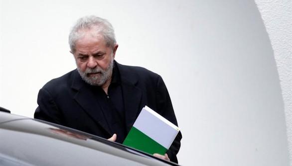 La Fiscalía acusa a Lula de ocultación de patrimonio y de lavado de dinero