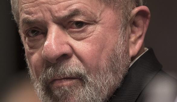 Los autobuses de la gira de Lula son tiroteados y el PT denuncia que quieren matar al expresidente en Brasil