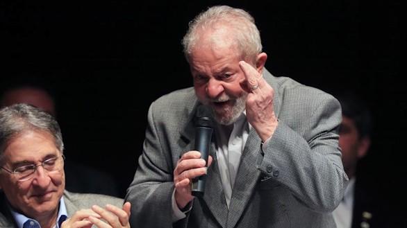 El expresidente de Brasil Lula da Silva, condenado a nueve años y medio de cárcel