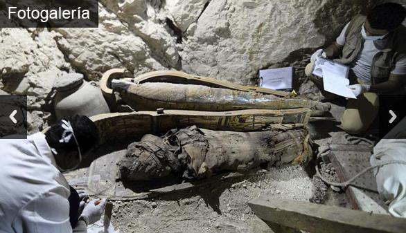 Halladas seis momias y mil estatuillas en una tumba intacta en Luxor