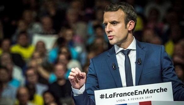 La precampaña francesa se embarra con acusaciones de homosexualidad