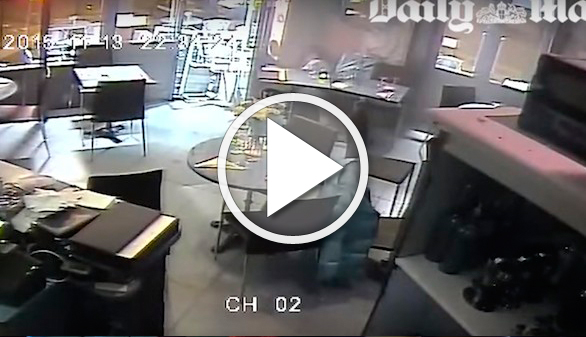 Un vídeo muestra otro momento del terror de los ataques en París