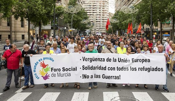 Miles de personas salen a la calle en solidaridad con los refugiados