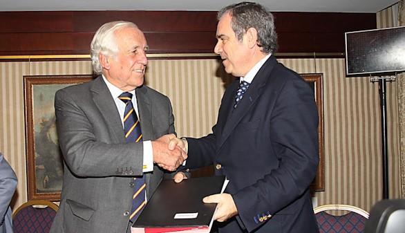 Marca España promoverá el modelo de farmacia español en el extranjero