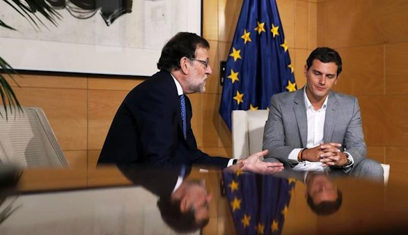 Rajoy intenta reconquistar a Rivera tras su advertencia