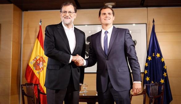 Rivera se reúne con Rajoy dispuesto a votar que 'sí'