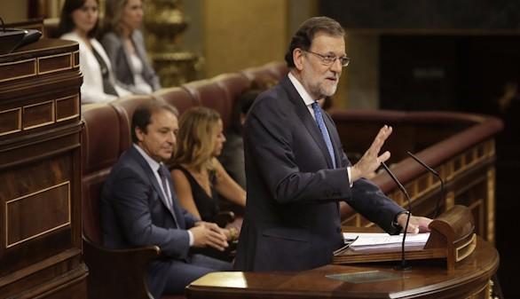 Rajoy ofrece pactos en pensiones, educación y la unidad de España
