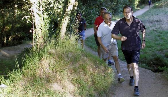 La alerta naranja por calor en Pontevedra no detiene a Mariano Rajoy