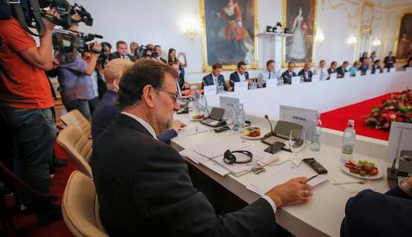 Rajoy reclama más crecimiento y más seguridad en la cumbre para la nueva Unión Europea