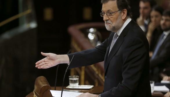 Un Rajoy irónico ridiculiza los argumentos de Sánchez