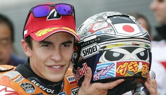 Márquez se impone en Australia y Lorenzo recorta distancias con Rossi