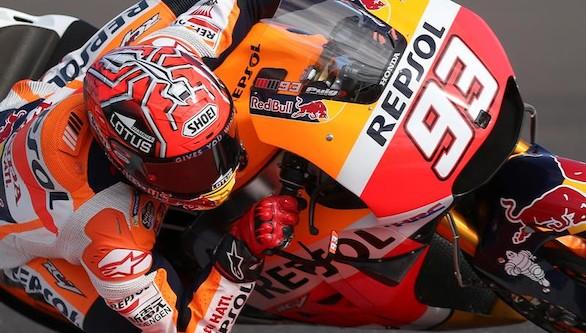 Márquez se estrena, Rossi puntúa y Lorenzo se va al suelo