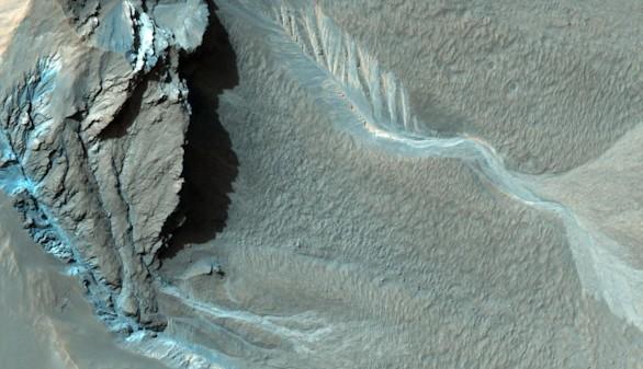 La NASA confirma que un tercio de Marte contiene hielo bajo su superficie
