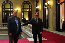Los partidos soberanistas arremeten contra Mas por insistir en un 'sucedáneo' de consulta