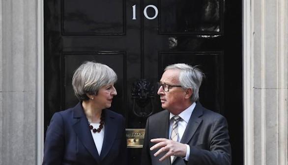 La verdad y la mentira en torno a la cena sobre el brexit entre Juncker y May