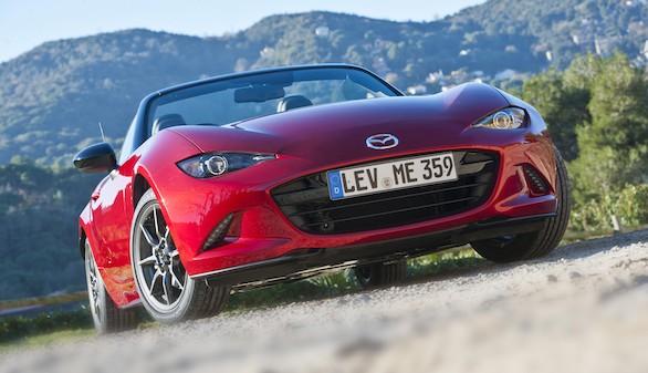 El nuevo Mazda MX-5 2015 vuelve a sus orígenes