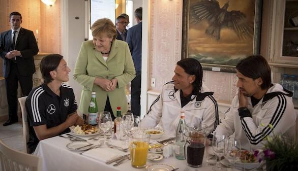 Angela Merkel no acudirá al Alemania-Francia en Marsella