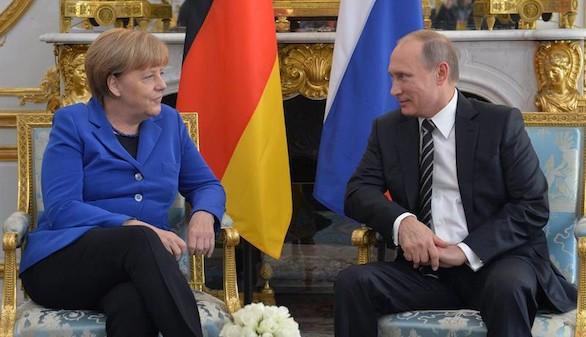 Hollande y Merkel le dicen a Putin que con Al Asad no se avanzará en Siria