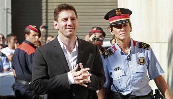 Messi y su padre se sentarán en el banquillo acusados de tres delitos fiscales