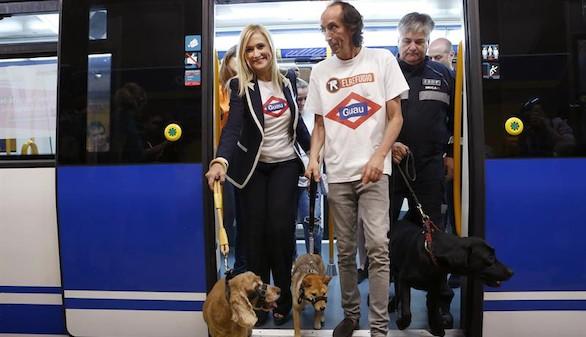 Metro de Madrid abre sus puertas a viajeros con sus perros