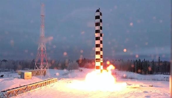 Putin presenta un misil nuclear que hace inútil el escudo antimisiles de EEUU