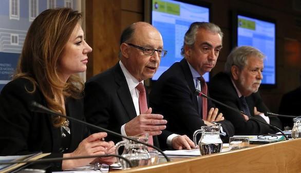 Extremadura y Navarra superan ya el déficit previsto para 2016