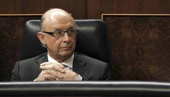 La Autoridad Fiscal denuncia a Montoro por vulnerar su independencia