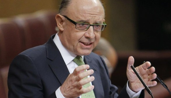 Montoro acusa a la oposición de no estar comprometida con reducir el déficit y la deuda