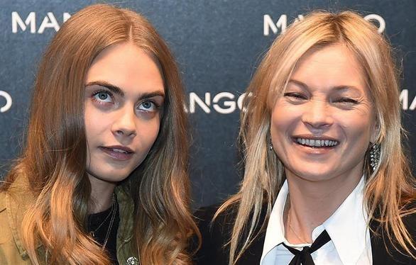 Clara Delevingne y Kate Moss desatan la locura en Milán