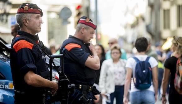 La Fiscalía ordena a los Mossos precintar los colegios