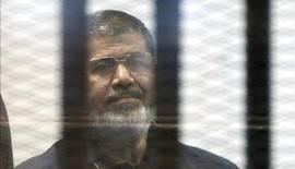 Egipto condena las críticas por la pena de muerte contra Mursi