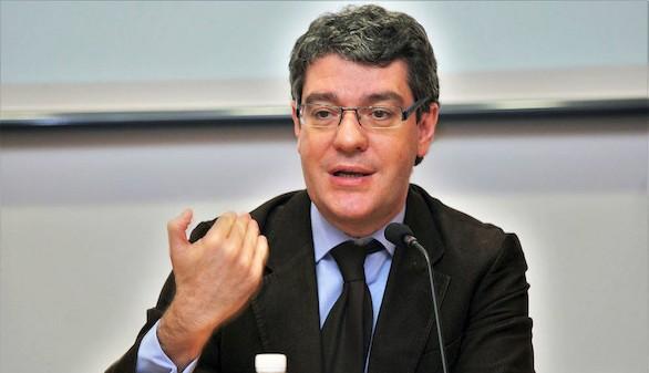 Preocupación porque el alza del precio del petróleo afecte al crecimiento de España