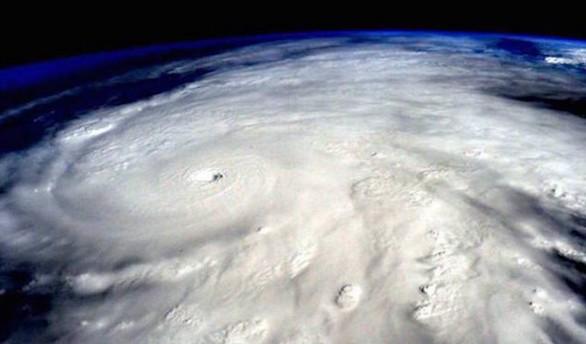 El superhuracán Patricia se desvanece, pero sigue dejando fuertes lluvias